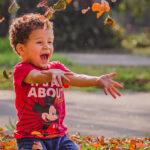 Herbst-Kinderlieder, die jedes Kind zum Strahlen bringen